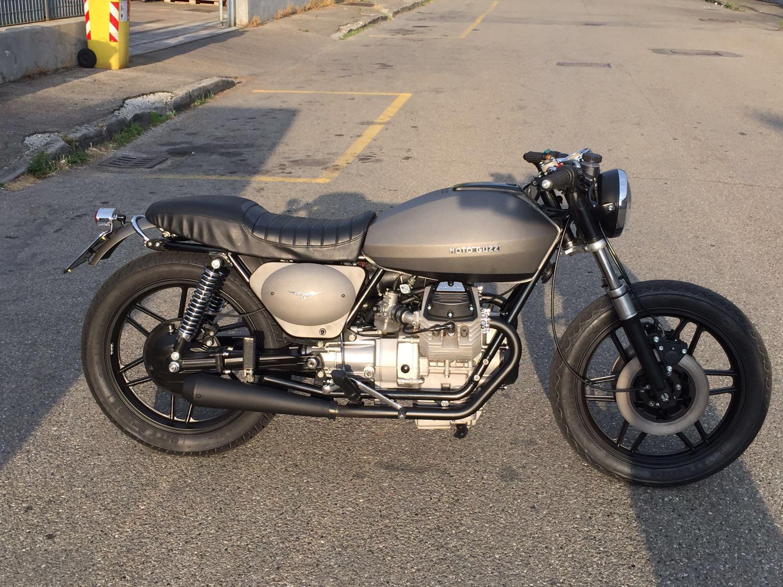 moto Guzzi personalizzata su base V50 Dark guareschi moto parma