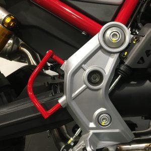 Paratacchi rossi V85TT